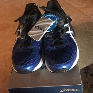 Men's New ASICS Size 10.5 Shoes